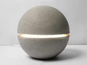 фонарь из бетона